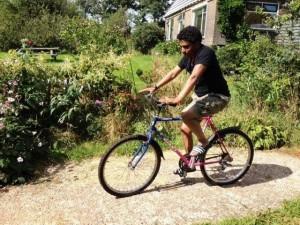 Amin en de mountainbike