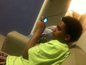 Amin en zijn telefoon