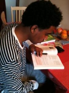 Amin studeert